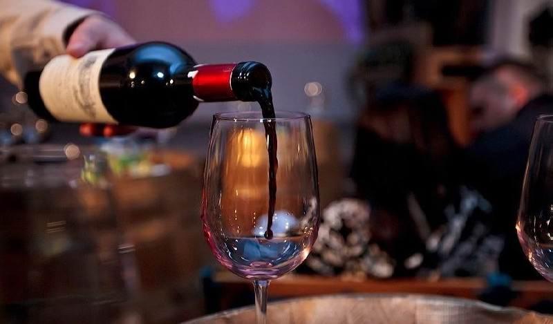 С чем пьют красное сухое вино