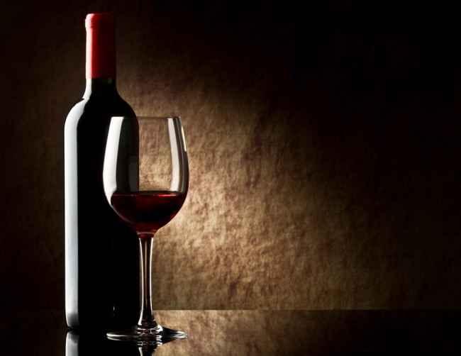 Какое полусладкое вино лучше - красное или белое
