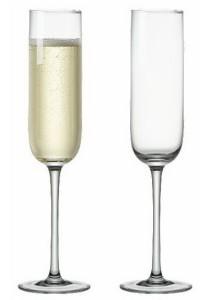 Бокалы для шампанского вытянутой формы