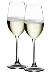 Бокалы для шампанского обтекаемой формы