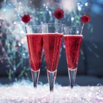 Алкогольные коктейли с вином и шампанским на Новый год – просто смешай и выпей!