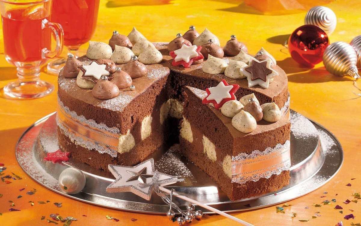 Новогодний торт как закуска к шампанскому или вину